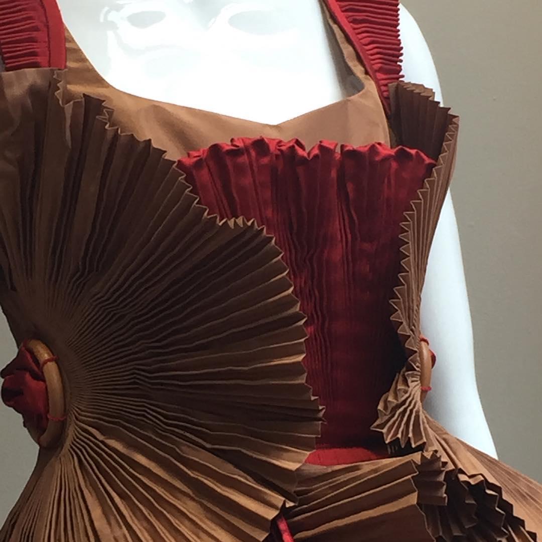 CiaoBele Creativefashionroom Abitiscultura madeinitaly Lartedellamoda capucci Stilista barbaranardello